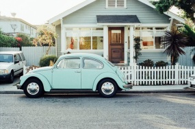 house-car-vintage-old